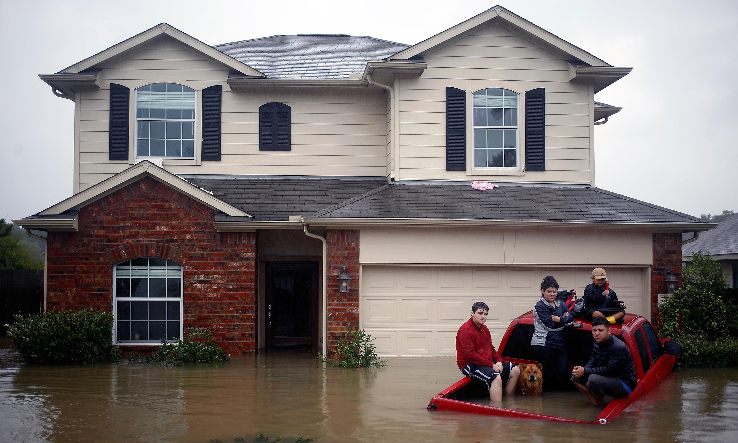 Lenders offer assistance after Harvey