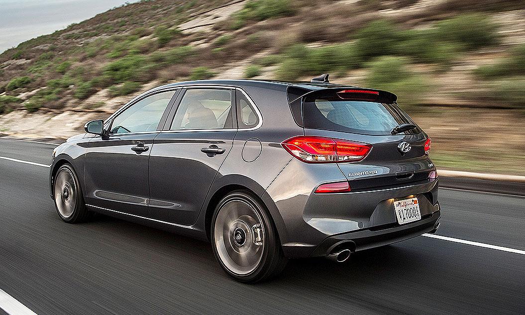 Hyundai Elantra Gt Packs More Tech Interior Space For 2018