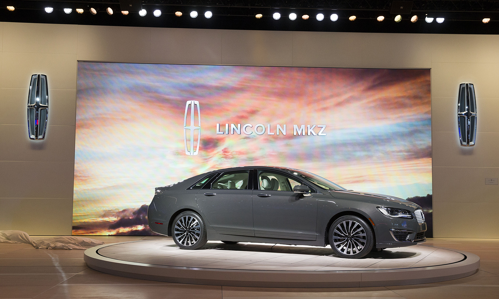 The Mkz Hybrid Is Only Electrified Model In Lincoln Lineup Today