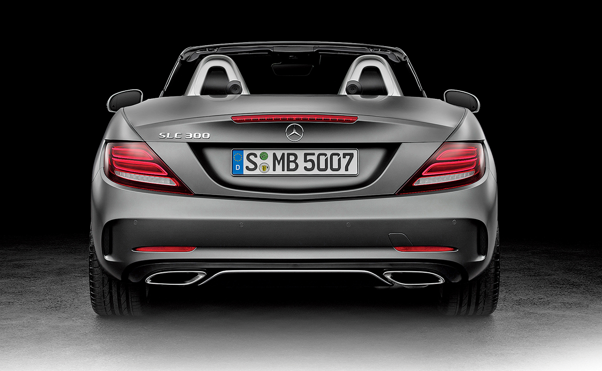 Mercedes tells U S  dealers that products, trims will be reduced