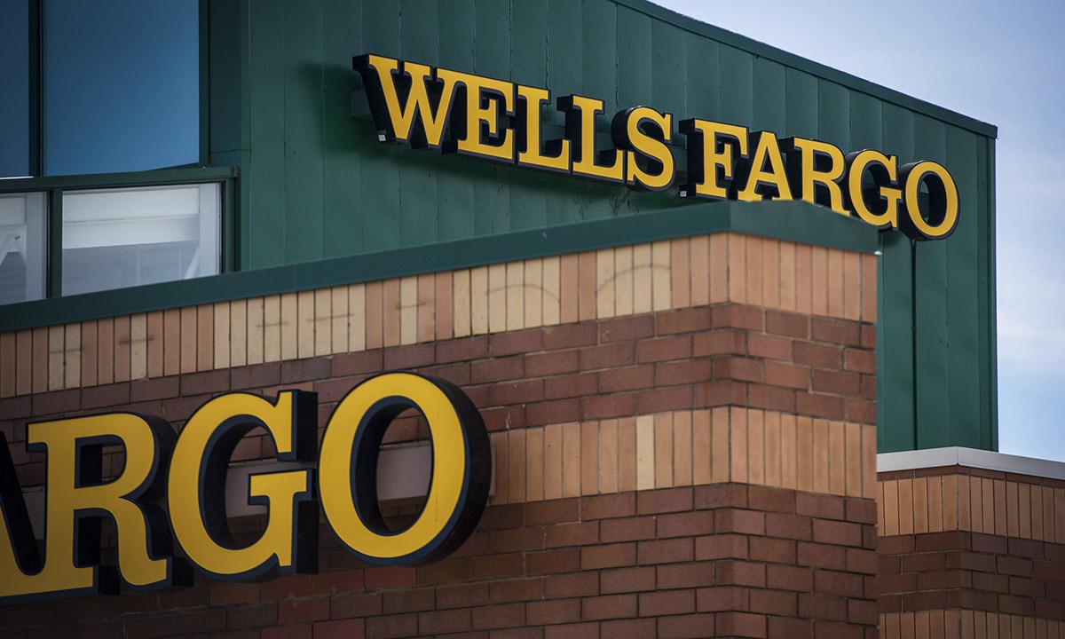 U S  regulator unsatisfied with Wells Fargo's progress in