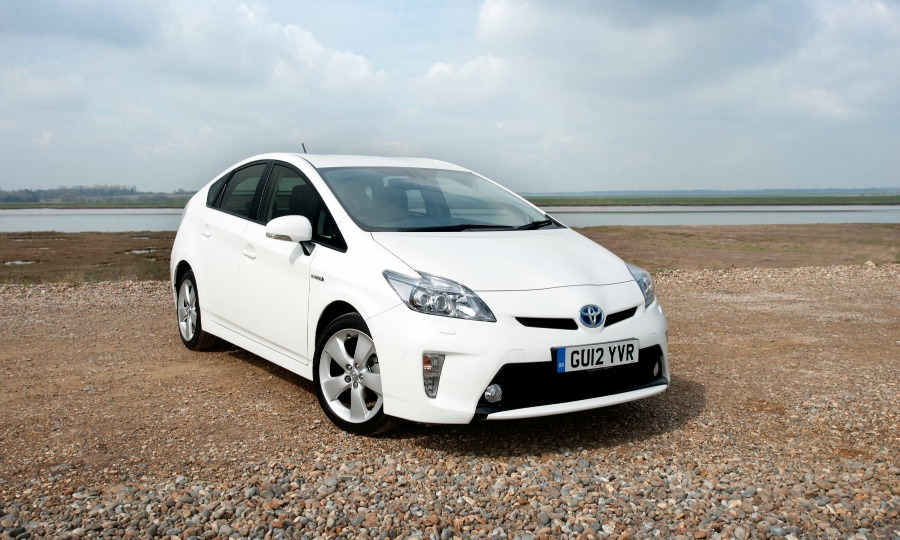 Toyota recalls Prius models to update software