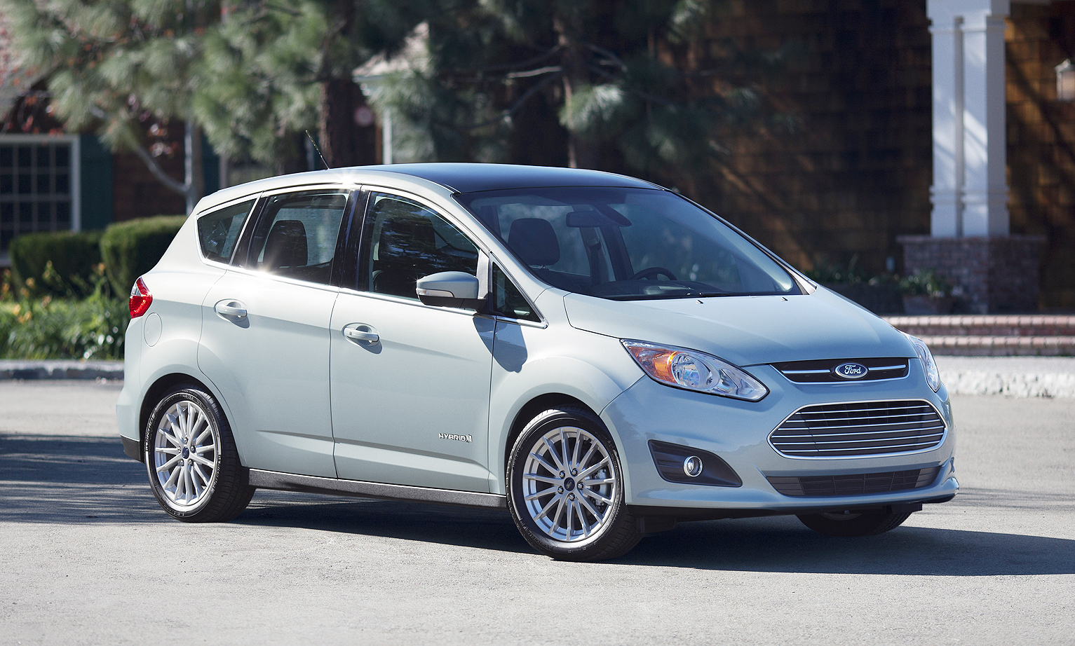The C Max Hybrid S 37 Mpg Is Second Only To Prius V 41 In Its Cl Consumer Reports Says But Magazine Tests Show That Ers