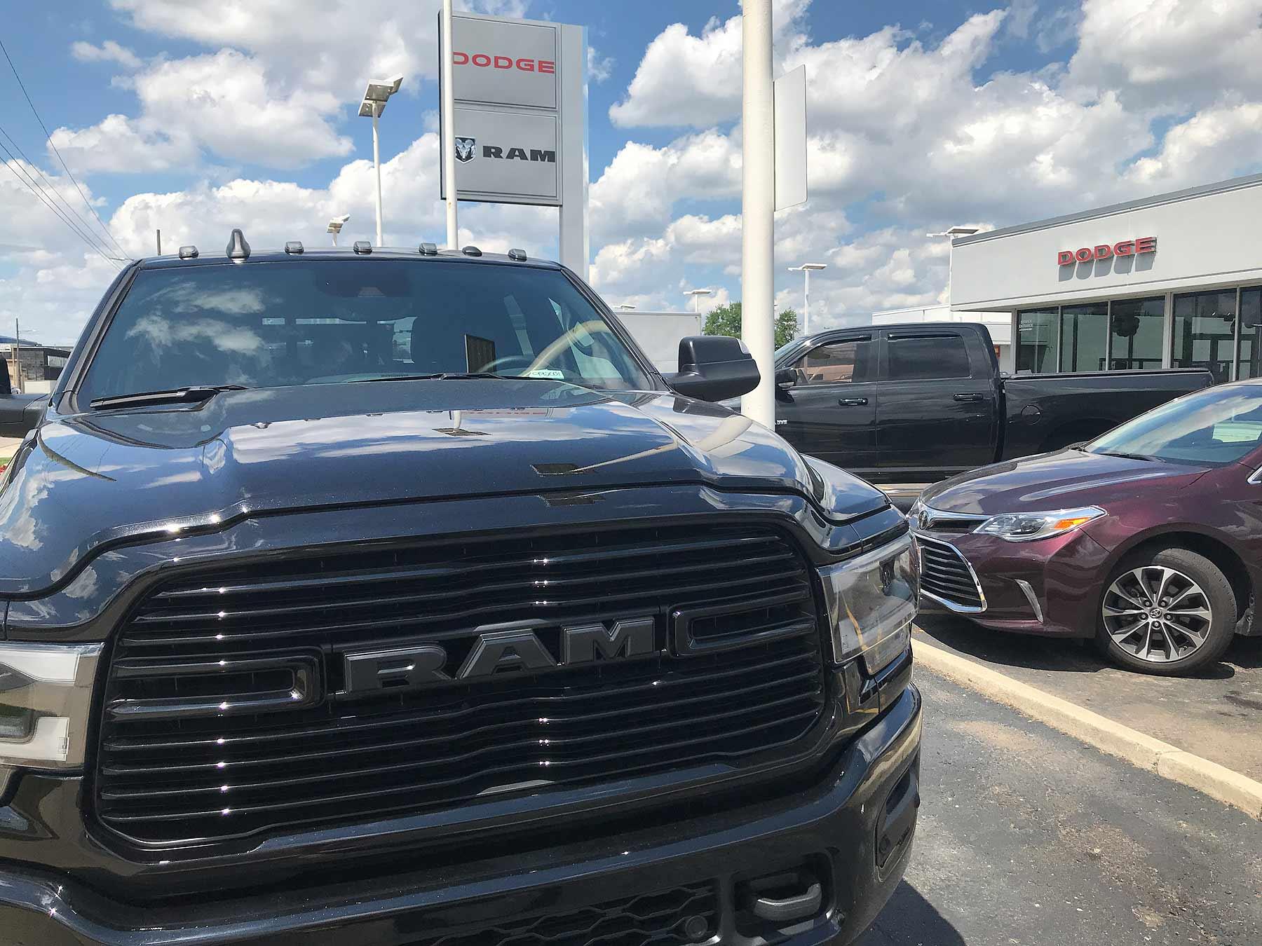 U S  June auto sales: FCA, Hyundai volume edges up behind