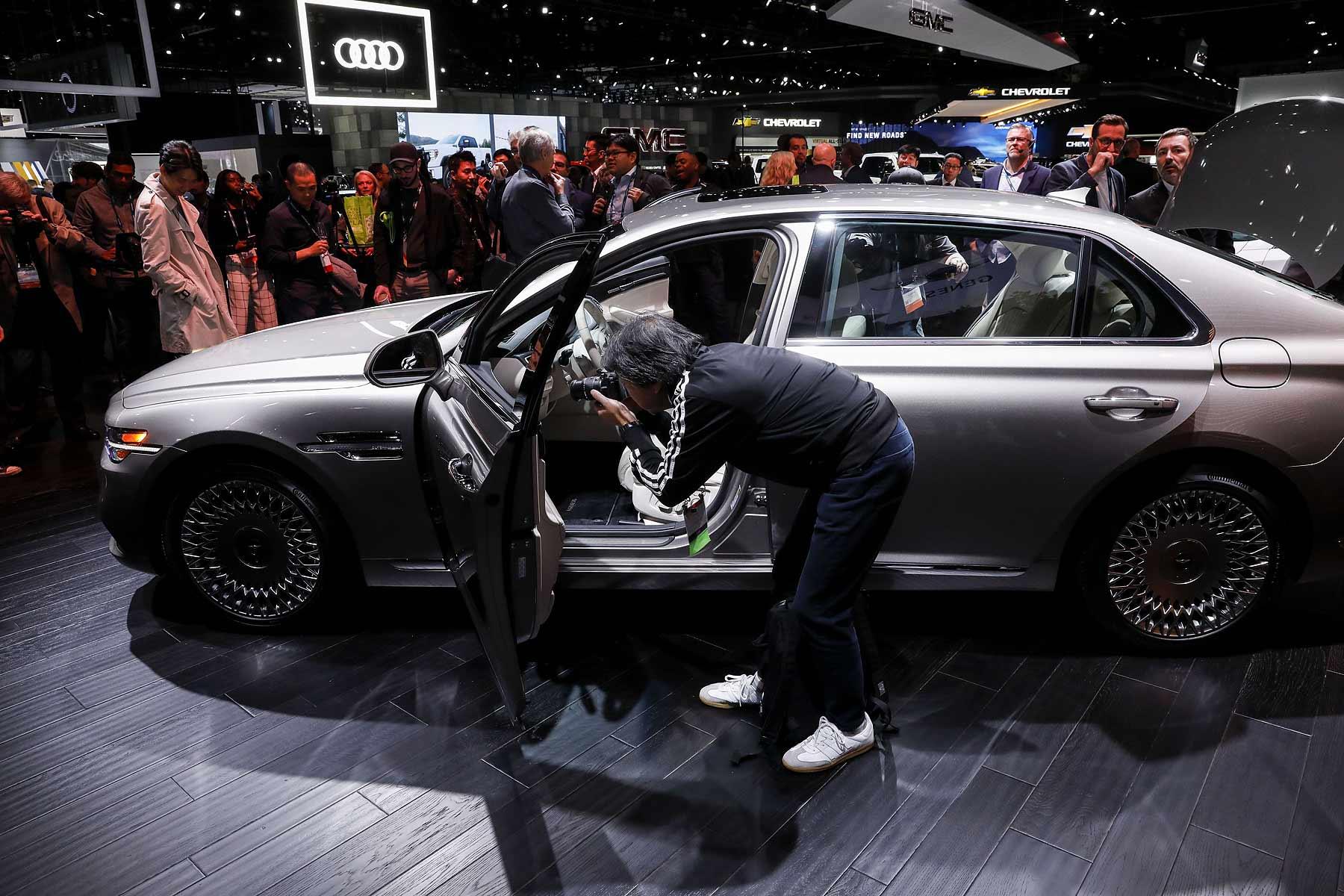 2022 Auto Show Calendar.2021 L A Auto Show Shifts Back To November