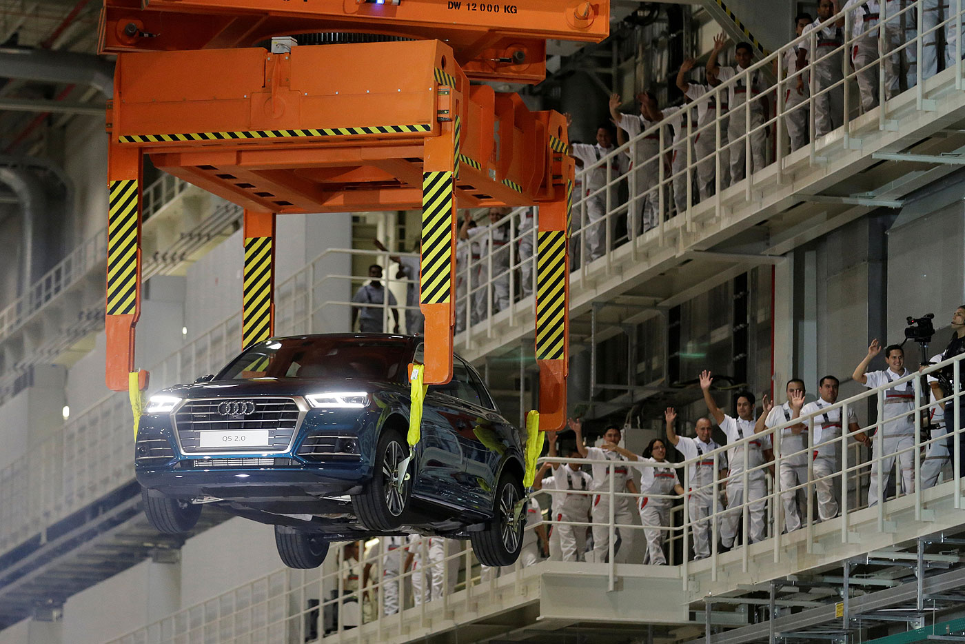 Build Audi Q5 >> Audi Opens Mexico Plant To Build Q5
