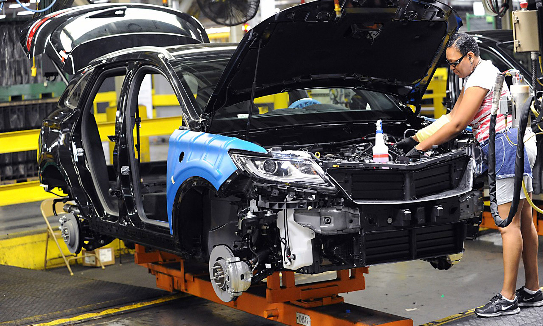 Ford Says Lincoln Mkc Production Will Stay In Kentucky Not Move To Mexico