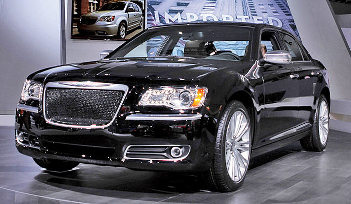 top-line chrysler 300 is a rebadged lancia thema