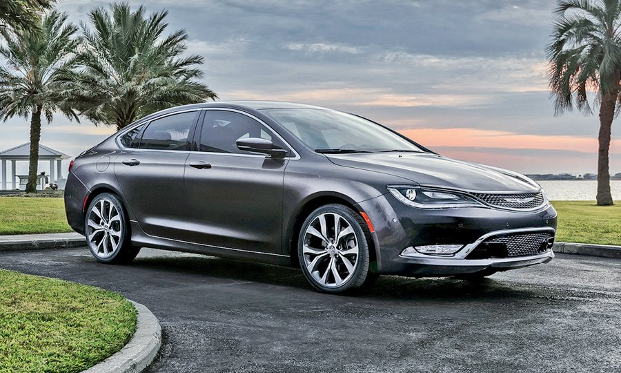 Chrysler 200 Rear >> Chrysler 200 Adds Luxury Touches But Rear Seat Entry May Be