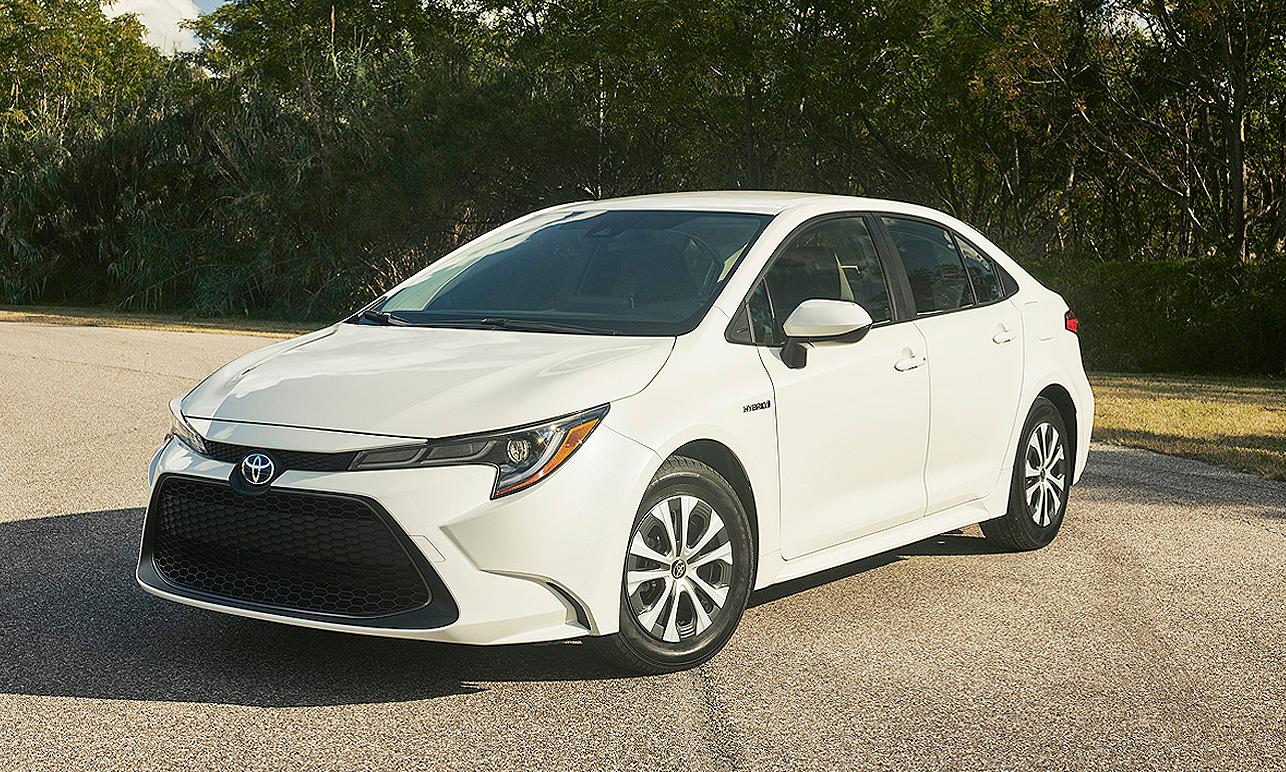 Prius Awd E Corolla Hybrid Underscore Toyota S Pledge To Cars