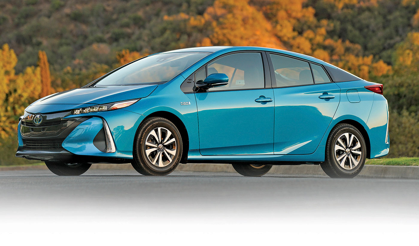 The Prius Prime Offers Tech Features And A Lower Price Toyota Hopes Value Could Attract Ers Wary Of Electrification