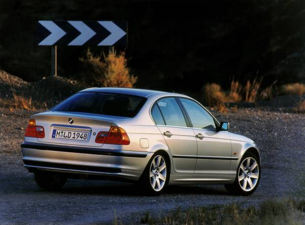 Bmw To Recall 1 6 Million 1999 2006 3 Series Cars Replace Takata Airbags