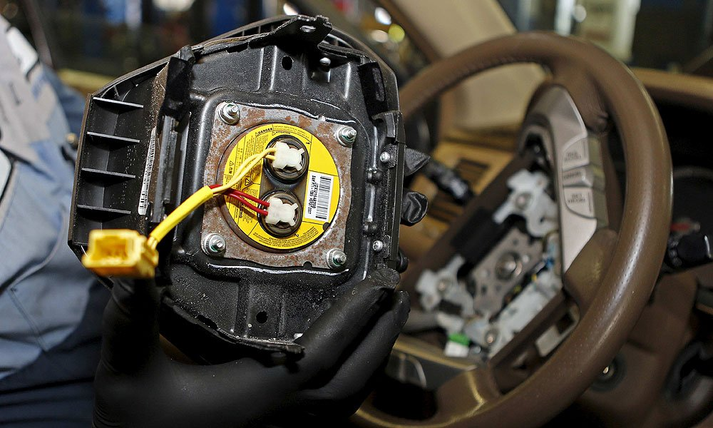 Takata airbag recall gets more complicated, and messy