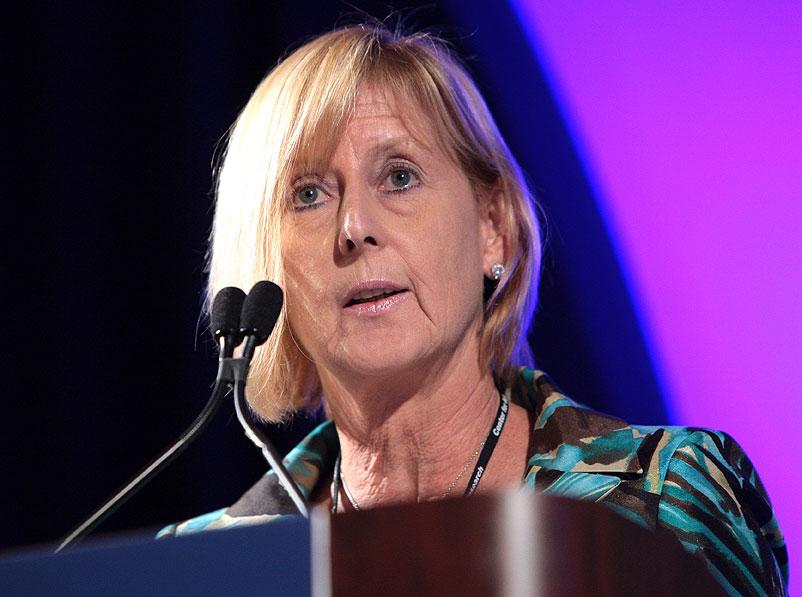 Linda Marshall, head of GM's OnStar unit, steps down