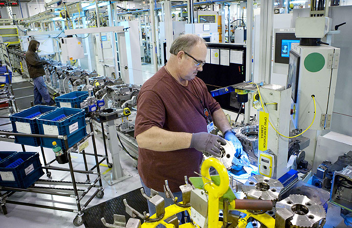 GM in talks with UAW on lump-sum offer for hourly retirees