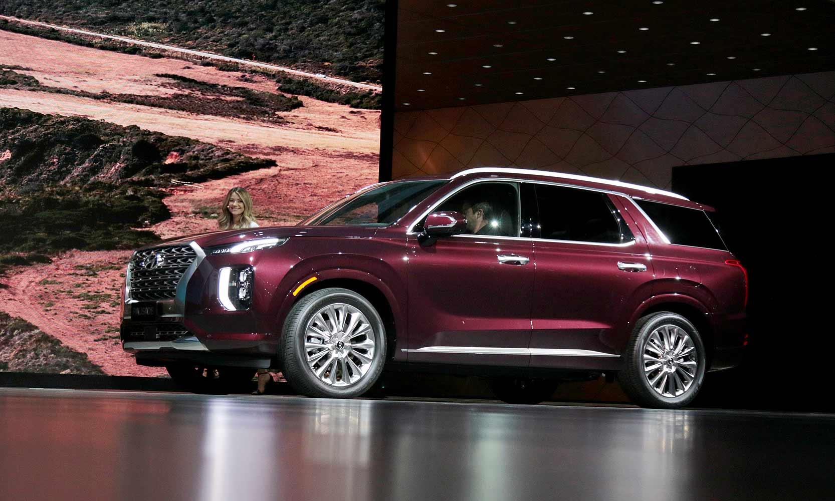 Hyundai Prices Palisade A Shade Below Kia Telluride