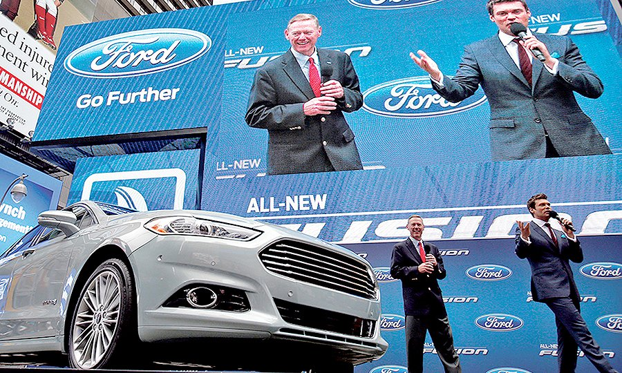 In 2017 Ford Made A Splash With The New Gen Fusion Then Ceo Alan Mulally And Ryan Seacrest Introduced It At Times Square