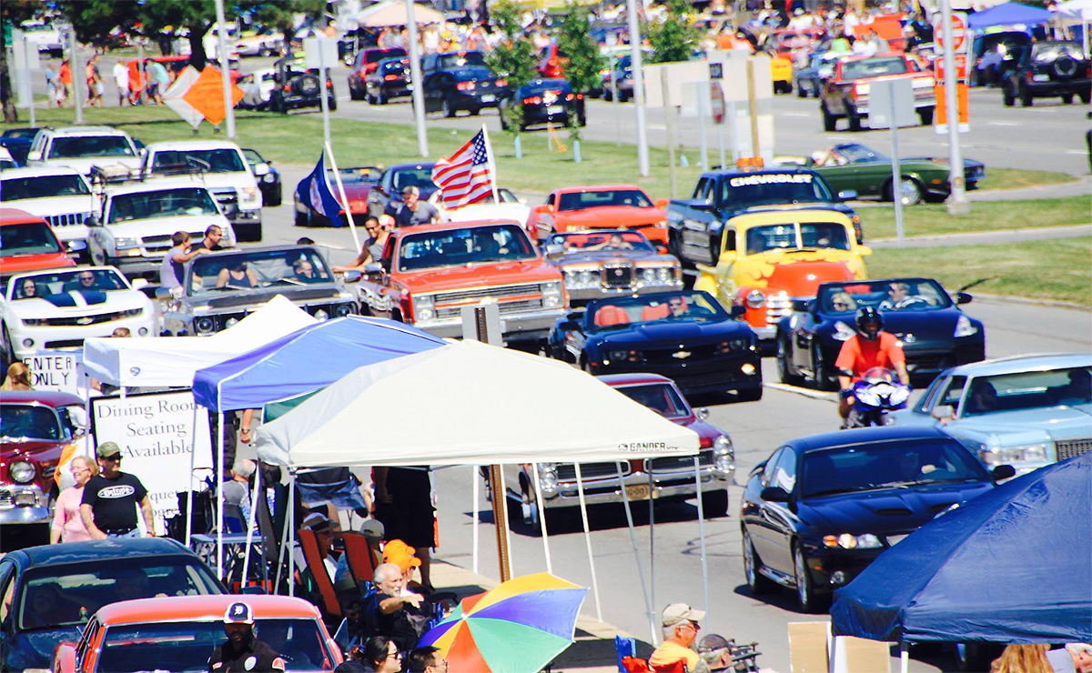 Woodward Dream Cruise 2020.Detroit Preps For Annual Automotive Mardi Gras