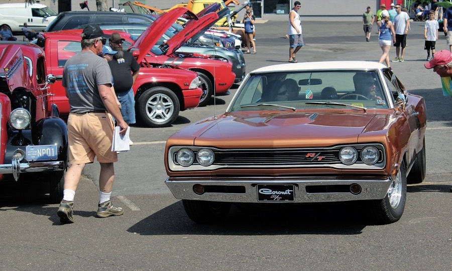 Mopar Muscle Cars >> Mopar Show Builds Brand Recognition