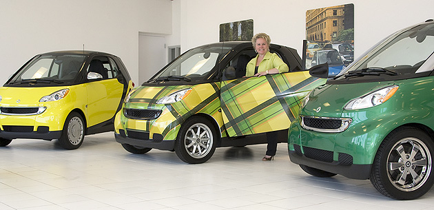 Smart offers colorful customization program on the ForTwo