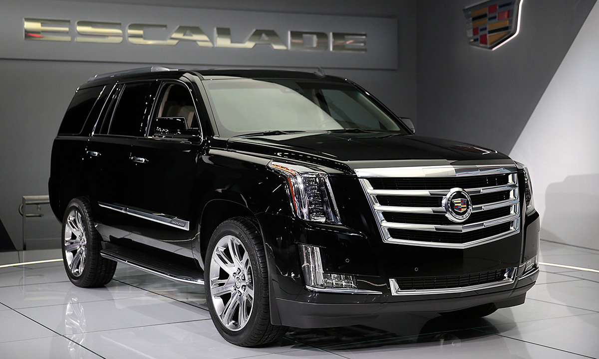 gm rolls out $10,000 discount on escalade to fend off lincoln navigator