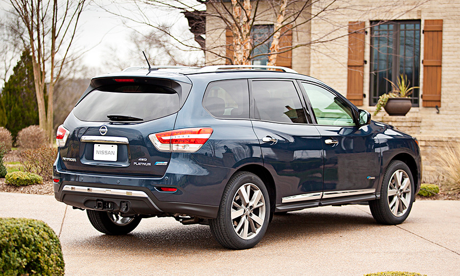 Nissan Drops Pathfinder Hybrid