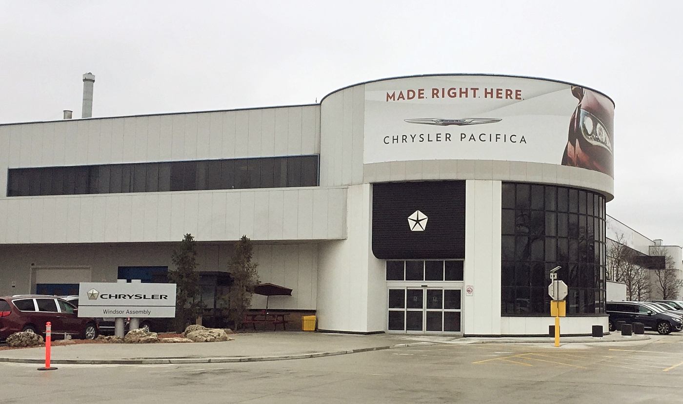 Carmaker Fiat Chrysler Automobiles extends Ontario minivan