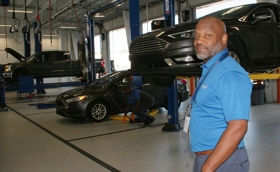 The 18,000-square foot Quick Lane quick-service facility, with an attached commercial fleet service department, opened in May.