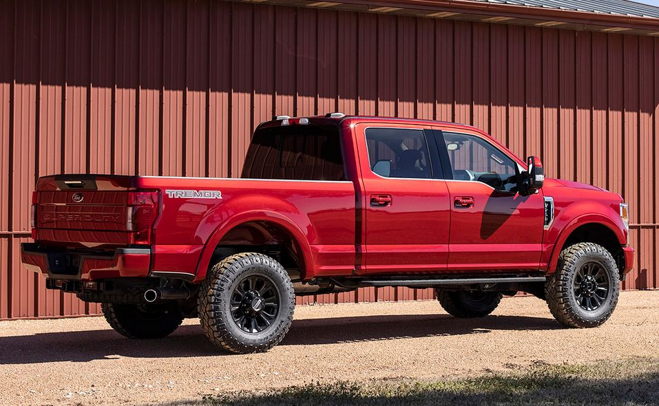 2022 Ford Super Duty Lariat Tremor rear