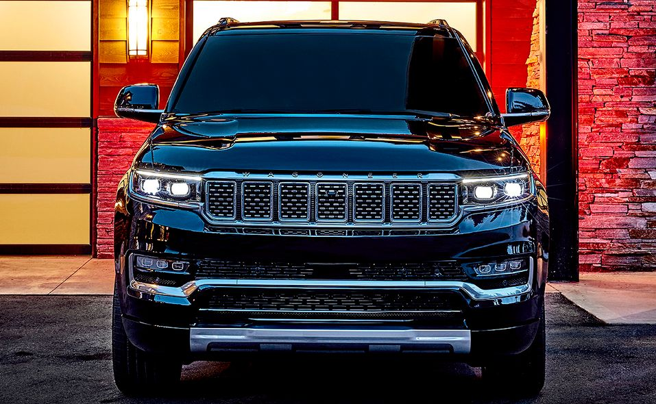 2022 Jeep Grand Wagoneer front