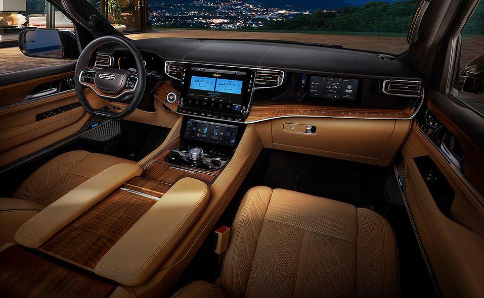 2022 Jeep Grand Wagoneer interior dash