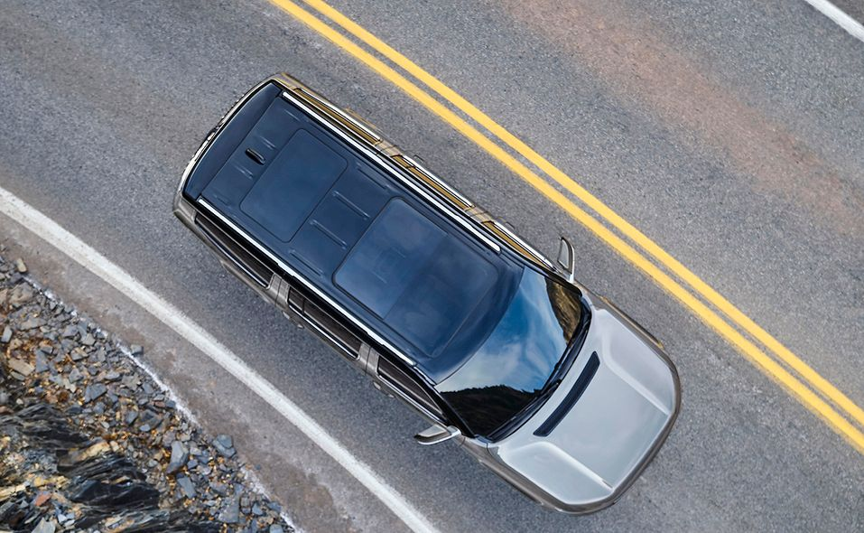 2022 Jeep Grand Wagoneer roof