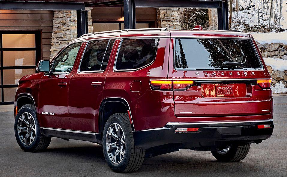 2022 Jeep Wagoneer side rear