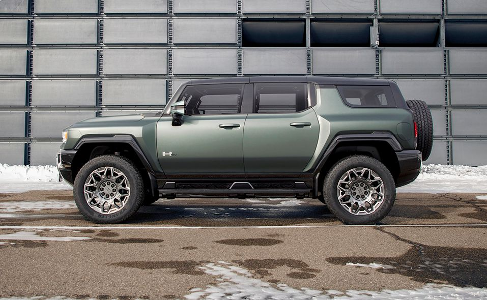 2024 GMC Hummer SUV Edition 1 side