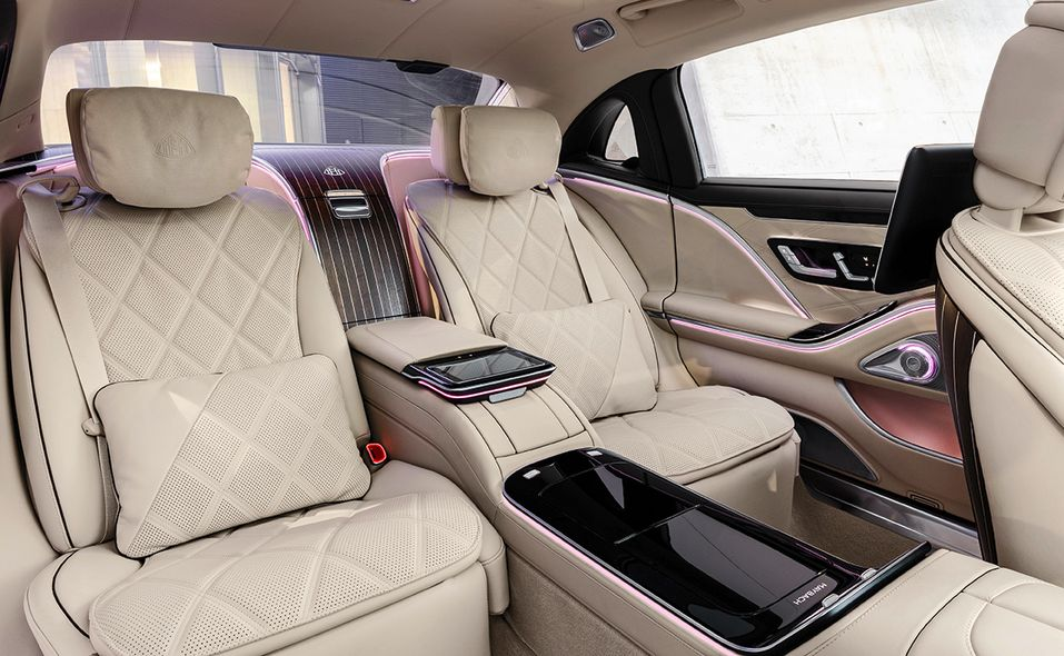 2022 Mercedes-Maybach S 680 second row