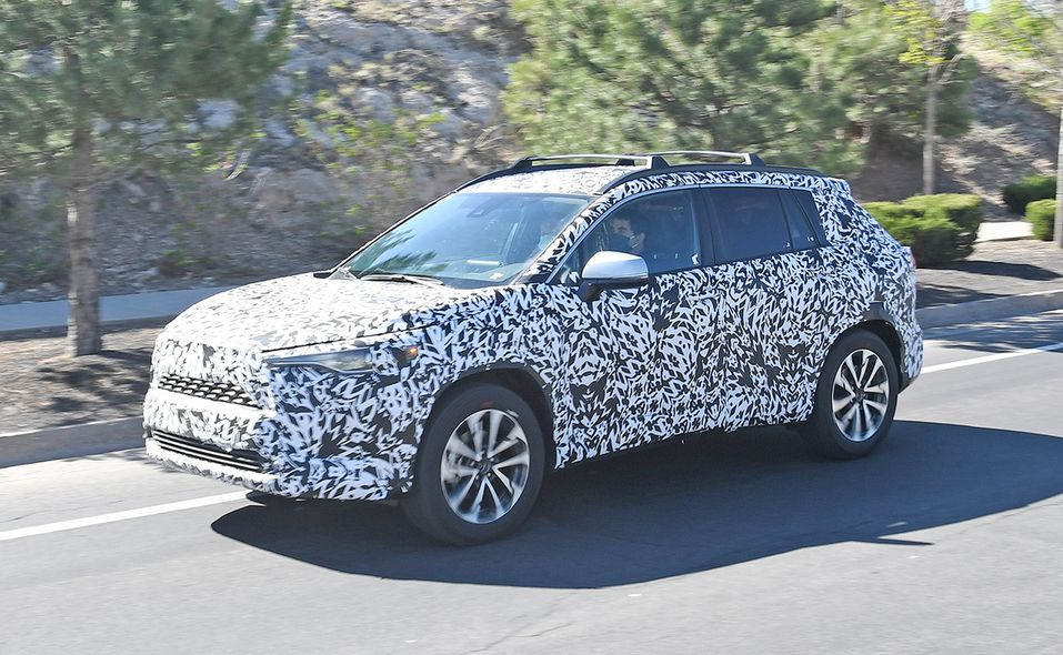 2022 Toyota Corolla Cross spy photo front quarter side 2