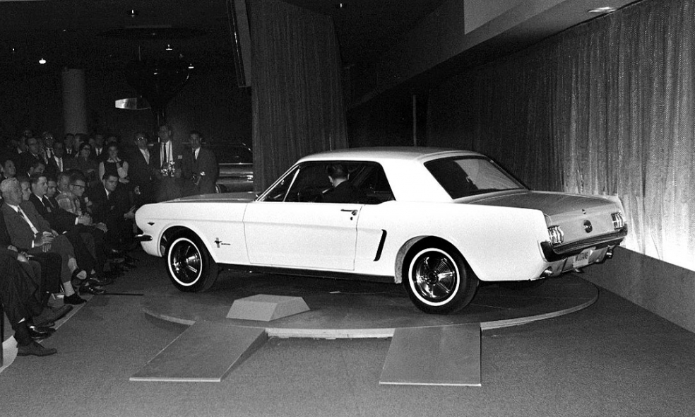Lee Iacocca Mustang >> Lee Iacocca Looks Back At The 1964 Sensation That Was Ford