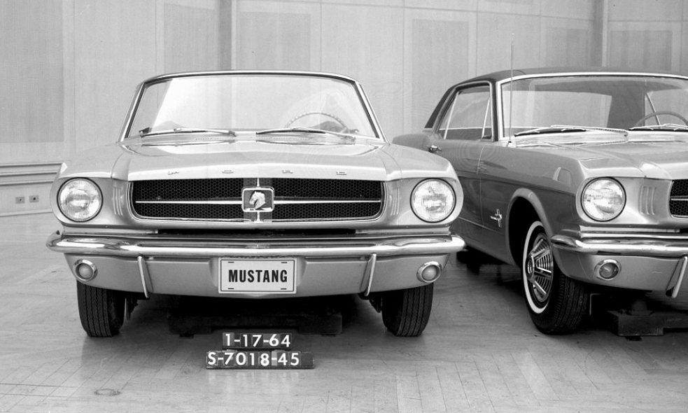 Lee Iacocca Mustang >> Lee Iacocca Looks Back At The 1964 Sensation That Was Ford Mustang