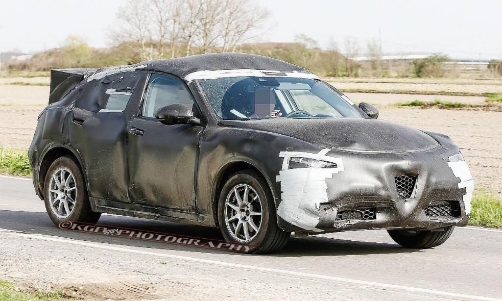 Alfa Romeo Stelvio crossover breaks cover, expected in late 2017