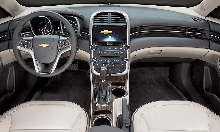 Chevy Malibu Mpg >> Gm Boosts Malibu S Mpg In Bid To Revive Sales