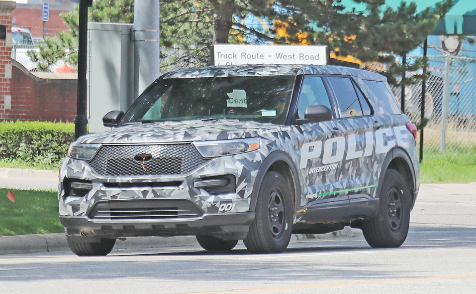 2020 ford explorer breaks cover as pursuit vehicle