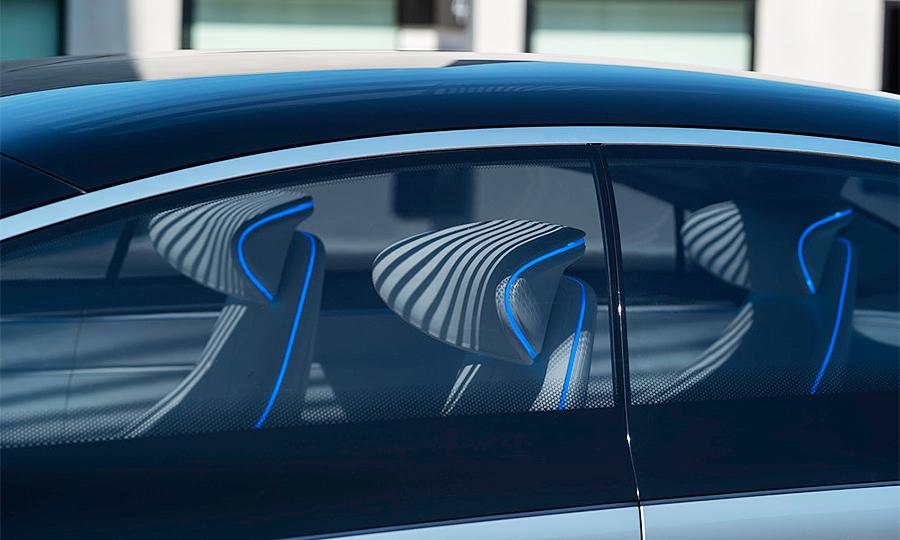 mercedes-benz-vision-eqs-interior-through-window-09.jpg