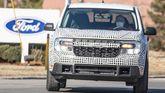 Ford Maverick pickup prototype spy photo