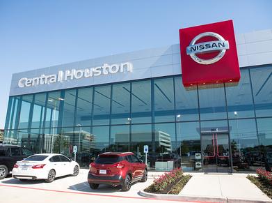 Nissan Houston