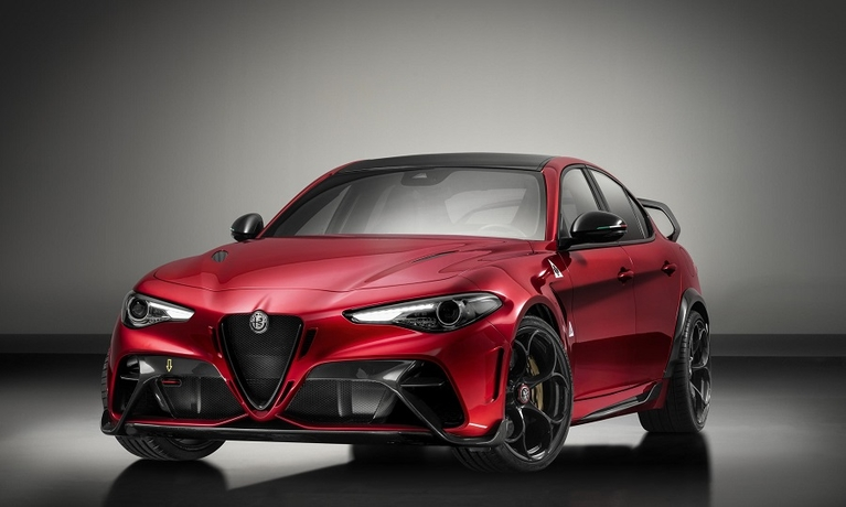 Alfa Giulia GTA front web.jpg