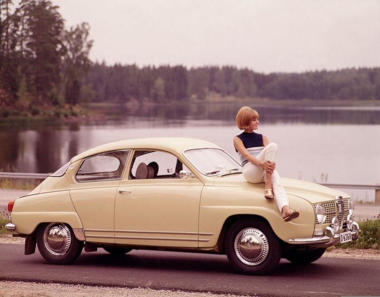 Saab drops a four-cylinder, four-stroke engine in 96