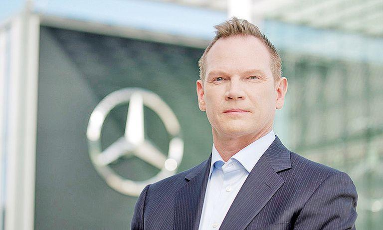 Mercedes to put more ad dollars in dealer hands