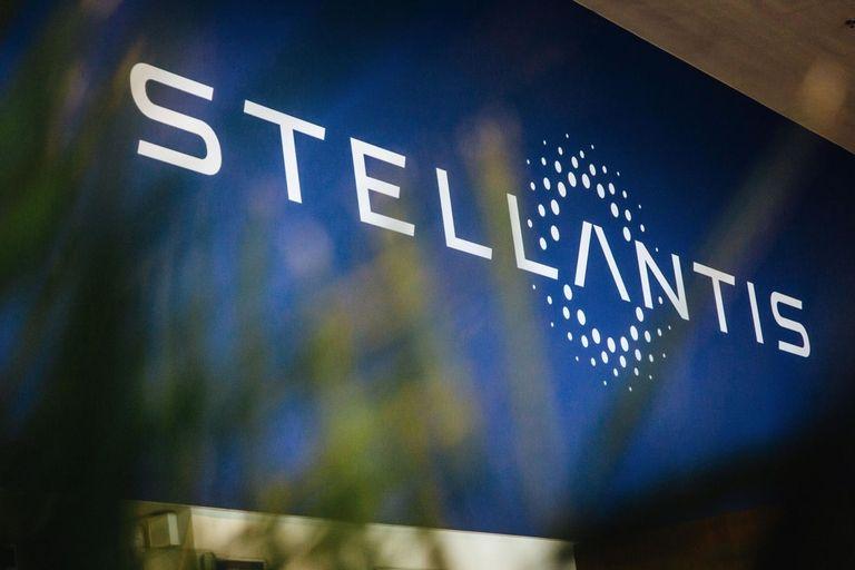 20210426_Stellantis-367342145_3x2.jpg