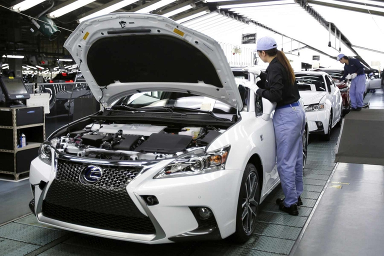 Toyota to idle 5 Japan assembly plants as global demand slumps