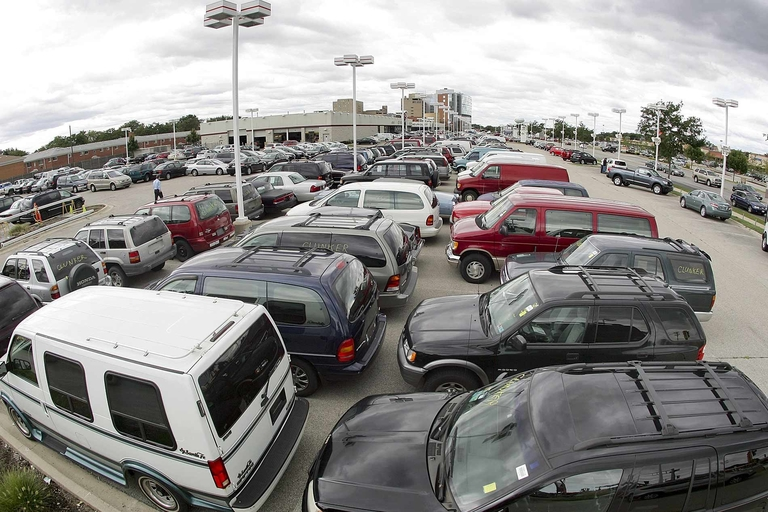 Cash for clunkers overseer backs new 'lifeline' for dealers, automakers